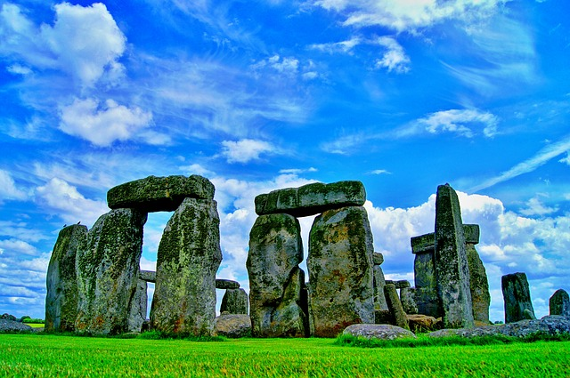 Baumhoroskop vs. Stonehenge